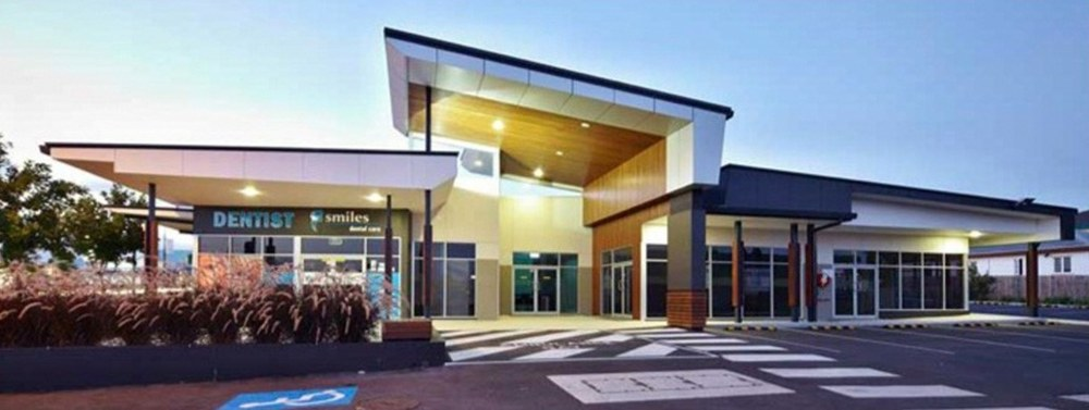 Commercial building with dentist office